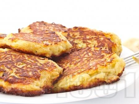 Домашни картофени кюфтета с джоджен печени върху хартия във фурна (без пържене и без лук) - традиционна класическа рецепта - снимка на рецептата